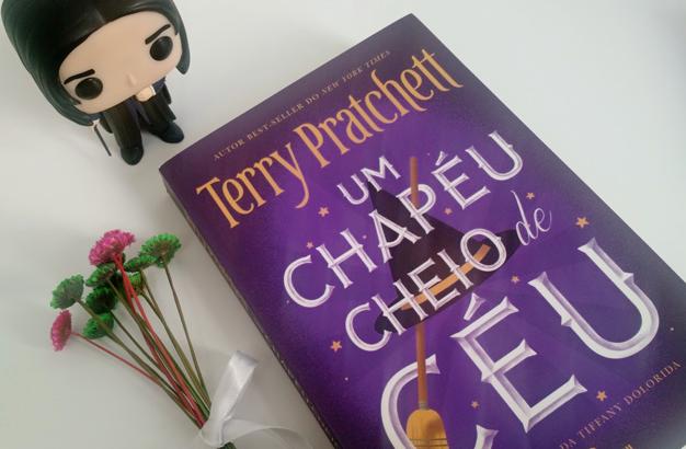 Os Pequenos Homens Livres e Um Chapéu Cheio de Céu de Terry Pretchet