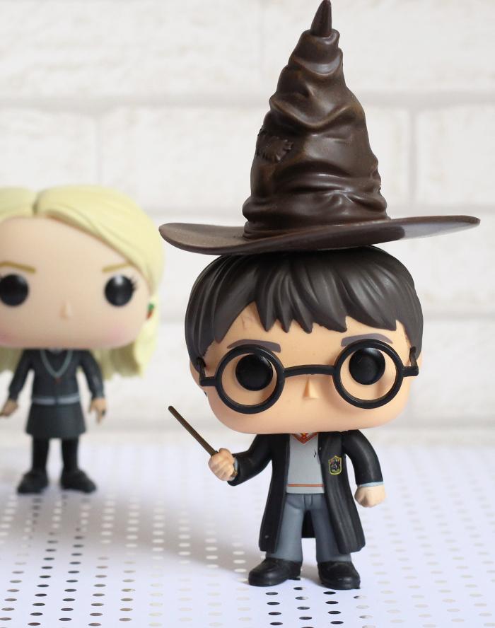 Chapéu Seletor Harry Potter e Funkos Coleção
