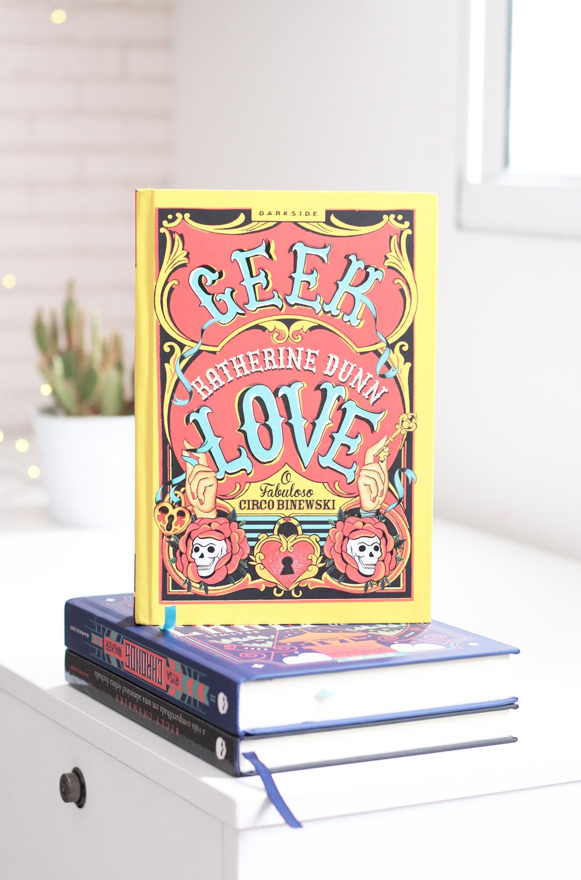GeekLove-Darksidebooks-ColorindoNuvens